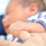 赤ちゃんは未熟児のまま生まれてくる?生まれてすぐの赤ちゃんには注意が必要